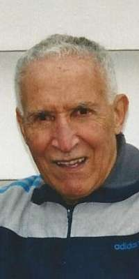 Alain Mimoun, French Olympic runner (1948, dies at age 92