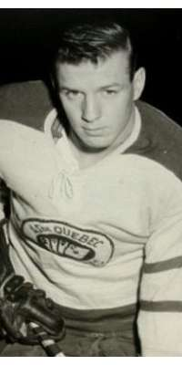 Earl Johnson, Canadian ice hockey player (Detroit Red Wings)., dies at age 83