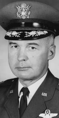 George H. McKee, American air force lieutenant general., dies at age 91