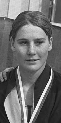 Karen Muir, South African swimmer and physician, dies at age 60