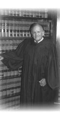 S. Arthur Spiegel, American federal judge., dies at age 94
