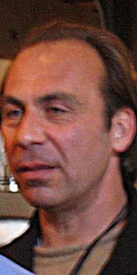 Taylor Negron, American comedian and actor (Angels in the Outfield, dies at age 57