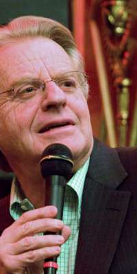 Jerry Springer, [[Politician|Former politician]], former [[news anchor]], talk show host, alive at age 71