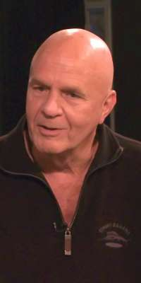 Wayne Dyer, author and speaker, dies at age 75