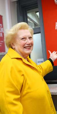 Denise Robertson, British writer and television broadcaster (This Morning), dies at age 83