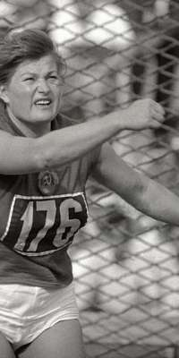 Nina Ponomaryova, Russian discus thrower and the first Soviet Olympic champion., dies at age 87
