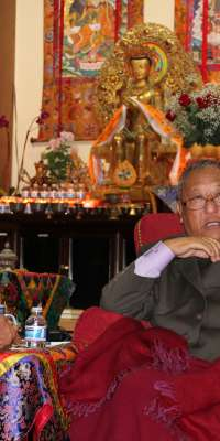Gelek Rimpoche, Tibetan-American Buddhist teacher. , dies at age 77
