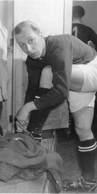 Manfred Kaiser, German football player., dies at age 88