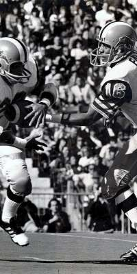 Andy Hopkins, American football player., dies at age 67