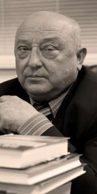 Ivan Feodosiyovych Korsak, Ukrainian writer and journalist., dies at age 71