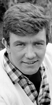 Albert Finney, British actor, dies at age 82