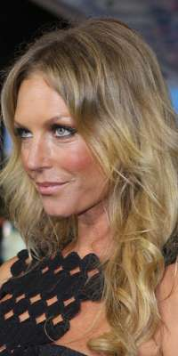 Annalise Braakensiek, Australian model and actor., dies at age 46