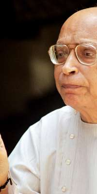 Bhagwatikumar Sharma, Indian Gujarati writer and journalist., dies at age 84