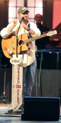 Daryle Singletary, American country music singer., dies at age 46