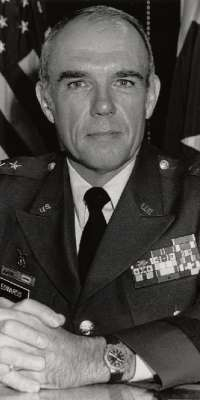Donald E. Edwards, American military officer and politician., dies at age 81
