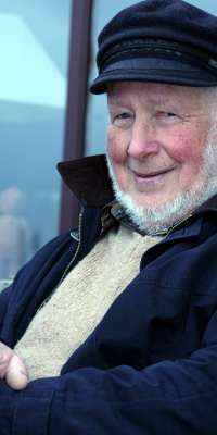 Julian Tudor Hart, British doctor., dies at age 91