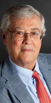 Julio Vallejo Ruiloba, Spanish psychiatrist., dies at age 73