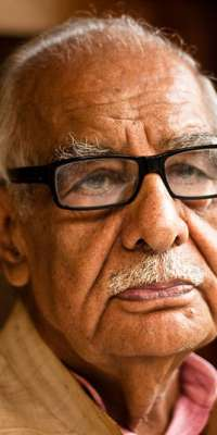 Kuldip Nayar, Indian journalist, dies at age 95