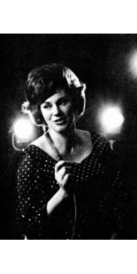 Maxine Brown, American country singer (The Browns), dies at age 87