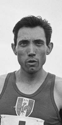 Michel Bernard, French middle- and long-distance runner., dies at age 87