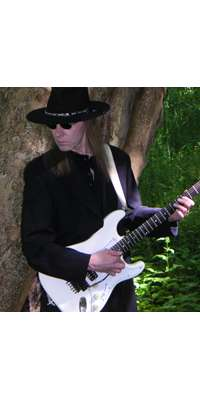 Zeno Roth, German guitarist and songwriter (Uli Jon Roth)., dies at age 61