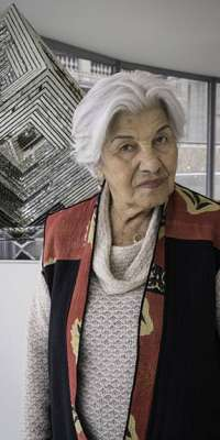 Monir Shahroudy Farmanfarmaian, Iranian artist., dies at age 97