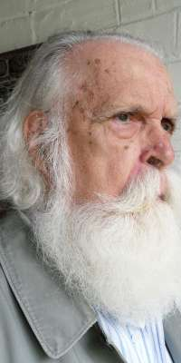 Francisco Brennand, Brazilian sculptor., dies at age 92
