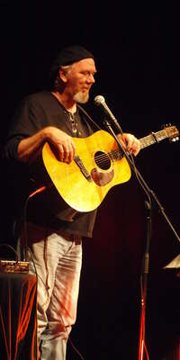 Eric Taylor, American folk singer-songwriter. , dies at age 70